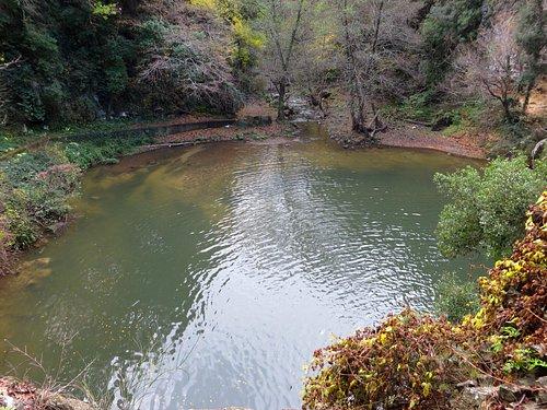 il grande bacino formato dalla cascata inferiore