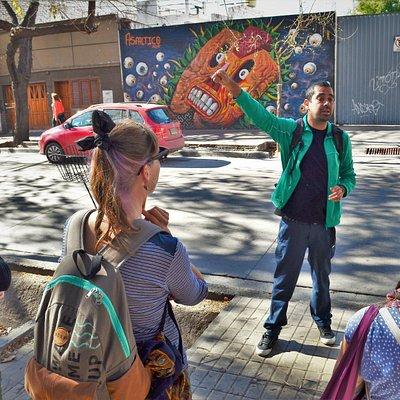 Tour for tips Mendoza . Street Art