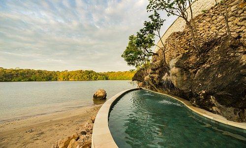 Plunge Pool - Pasir Putih Beach Club