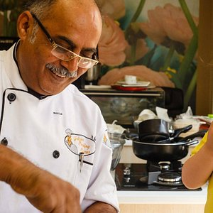 JAIPUR COOKING CLASSES OFFERS THE INDIAN COOKING LESSONS TO FOREIGNERS .