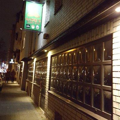 Sadie's Irish Pub.Cool Irish Pub.