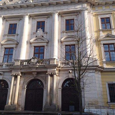 Frontalansicht hist. Rathaus Lauingen
