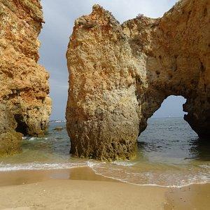 sentieri lungo la spiaggia
