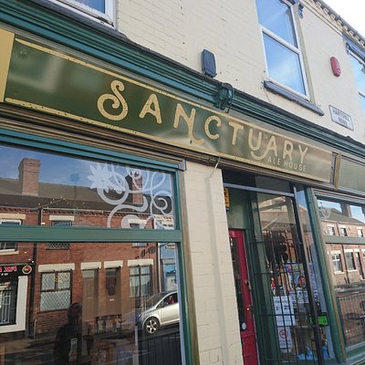 Sanctuary Alehouse: A bit like sitting in somebody's living room and people watching...