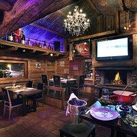 La Salle de Restaurant Coté Cheminée