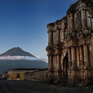 Safe Travel Guatemala -  Antigua Guatemala 1 Av. Norte #12