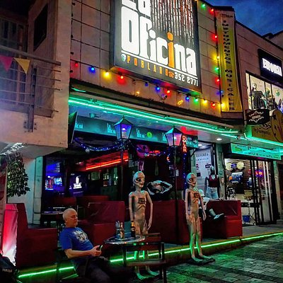 Great place to have drinks on Calle 10