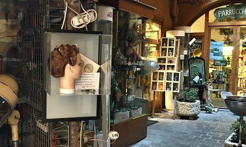 Un negozio di parrucchiere che merita di essere visitato è bellissimo