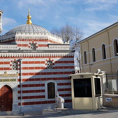 Nallı Mescid Camii