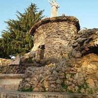 La fontana Biondi con la statua della Dea Feronia