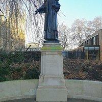 Statue in Victoria Tower Park
