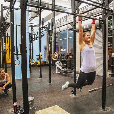 Drop in for CrossFit classes M-F 6am, 7am, 12pm, 4:30pm, 5:30pm and 6:30pm.
