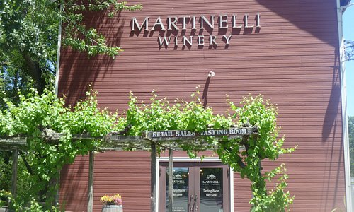 Exterior of the tasting room at Martinelli Winery & Vineyards in Windsor.