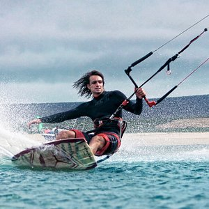 We offer beginner kitesurfers the ultimate introduction to this addictive, exhilarating water sp