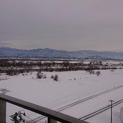 最上川と奥羽山脈が見えました
