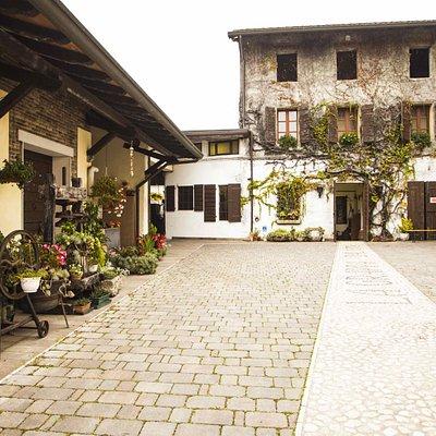 L'ingresso della Distilleria Pagura.