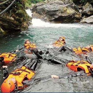 花蓮溯溪-砂婆礑溪。位於花蓮市近郊,是許多當地人的跳水天堂,更是第一次溯溪玩家不可或缺的選擇  適合大小朋友及第一次溯溪的玩家