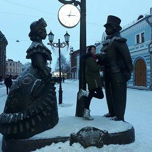 """Скульптурная композиция """"Место встречи"""""""