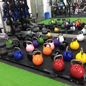 best gym in Sai Gon with free weight, deadlift platforms and heaviest kettlebells in town with 4