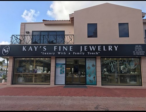 New Location in the Center of Downtown Oranjestad!