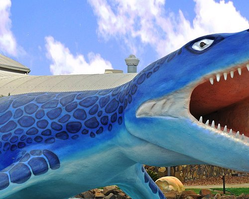 Life size Kronosaurus waiting to greet you out side of the centre