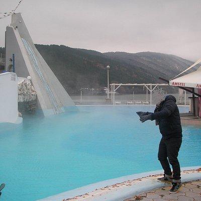Baño exterior de aguas calientes.