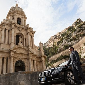 Luxury driver/guide in Sicily