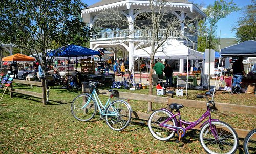 The Abita Springs Art and Farmers Market is held every Sunday from noon to four at the trailhead