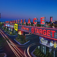 With over 100 shops and restaurants, Tempe Marketplace delivers an interactive experience for al