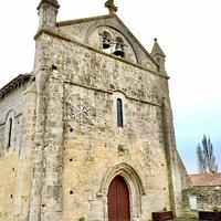 Une humble église du 12ème sur les chemins de Saint-Jacques de Compostelle