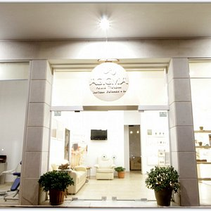 New place, new dreams, new collaborations, we are wish to serve you. We are near your hotel.