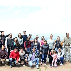 Viaje de finde año empresa. Foto grupal en cerro Guadalupe