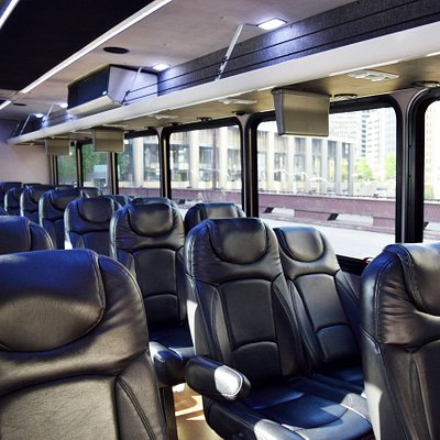 Chicago food tour bus