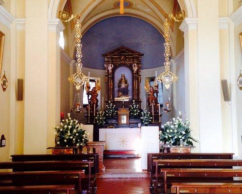 Altare nel giorno della festa