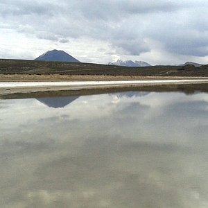 Volcán Misti visto de la Laguna de Salinas
