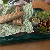 Buffalo Caesar Panini & Tijuana salad (medio)