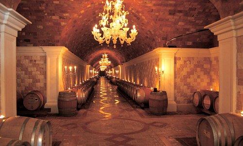 Estate Venetian Cave