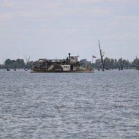 Paddle steamer on Lake Mulwala