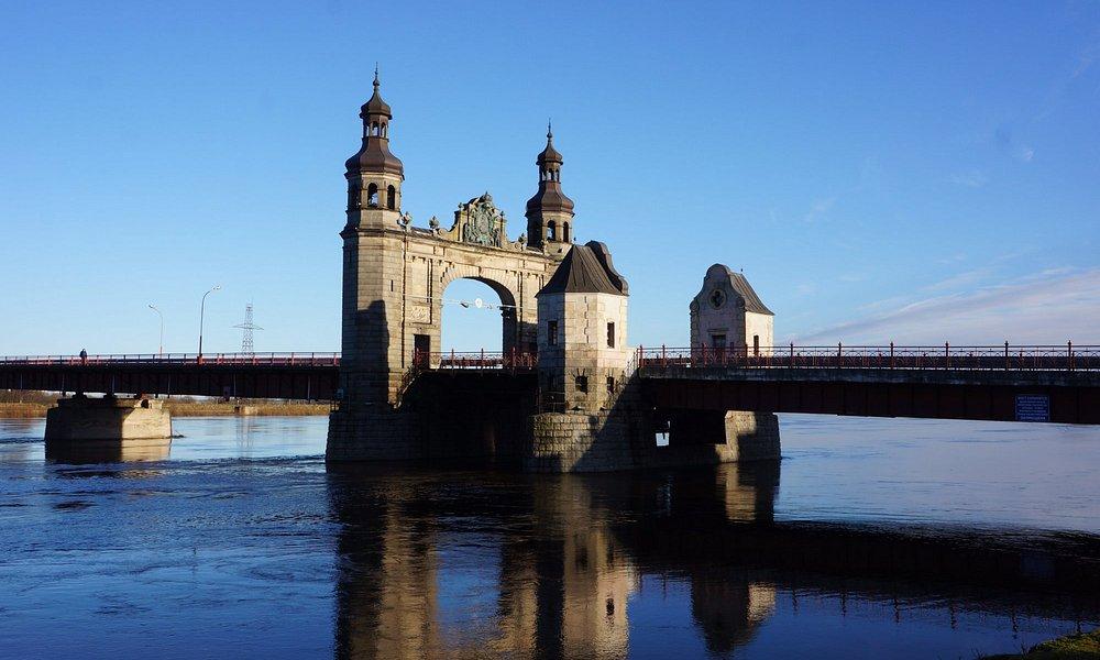 Мост и река Неман