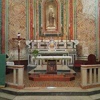 Madonna del Carmine, abside ed altare maggiore