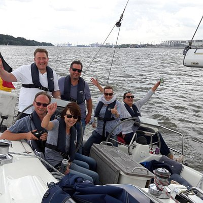 Elbsegelei - adventure & relaxation Sail on the ELBE in HAMBUR. Sailing trips for all!!