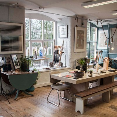 The gallery offers original hand made product including fine art, ceramics, jewellery and more