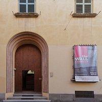 Palazzo Belloni, via Barberia 19