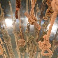 Segunda planta, juego de cuerdas y espejos