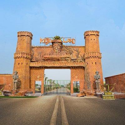 Mojoland entrance
