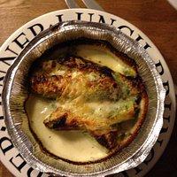 Die Pizza Bolognese in groß entsprach heute eher einer Mini und die Caneloni Spinaci immerhin 4