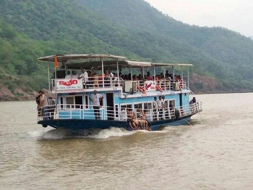 Papikondalu boat