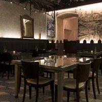 Interiér. Restaurant U Kříže.