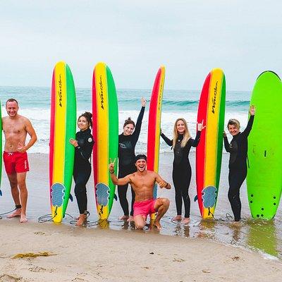 Групповой урок серфинга в Лос Анджелесе, школа серфинга Америка