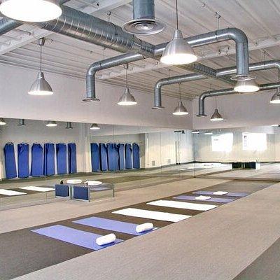 Bikram Yoga Spain. Hot Room